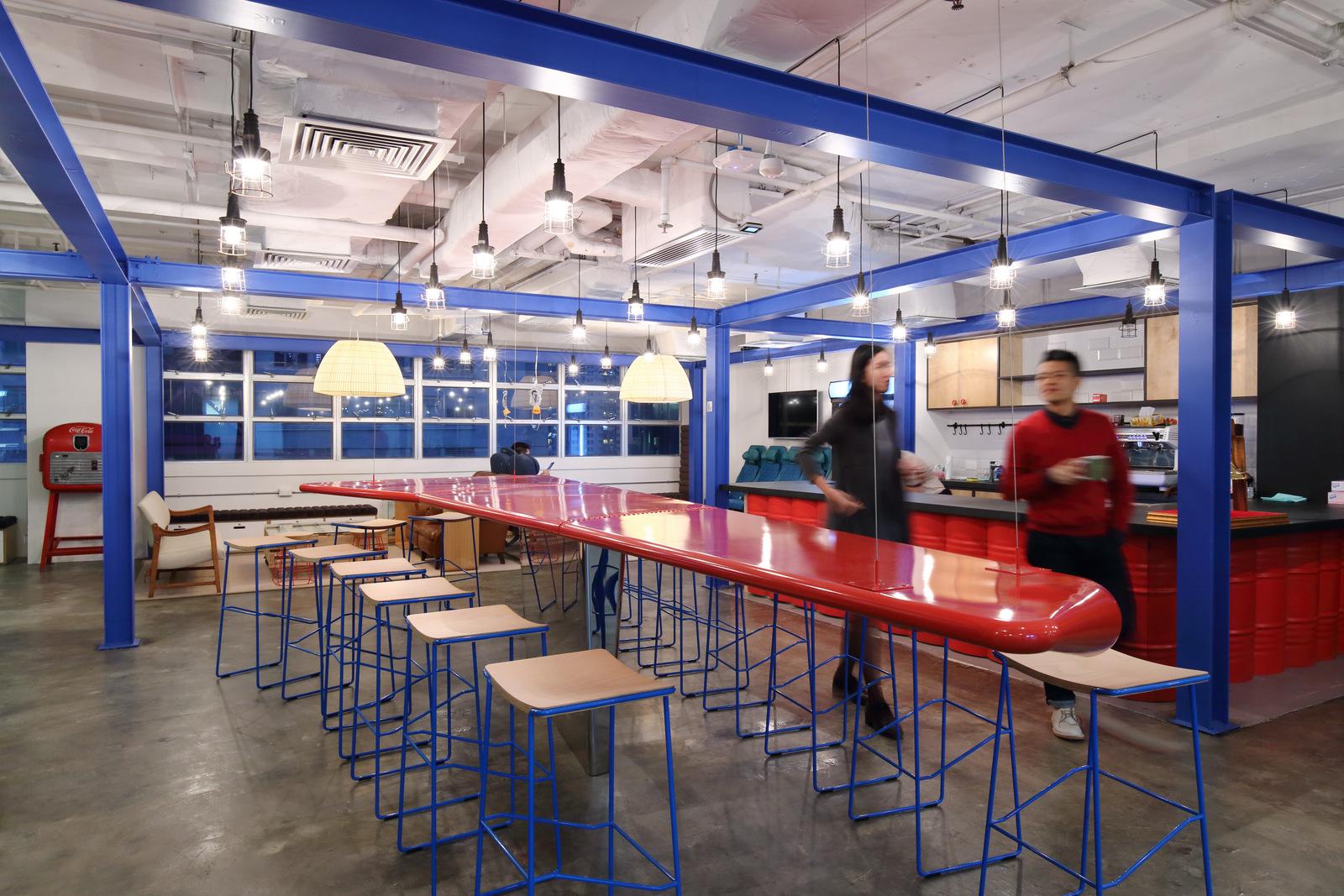 konsep biru desain interior kantor dengan minimalis  furniture dan interior (1)