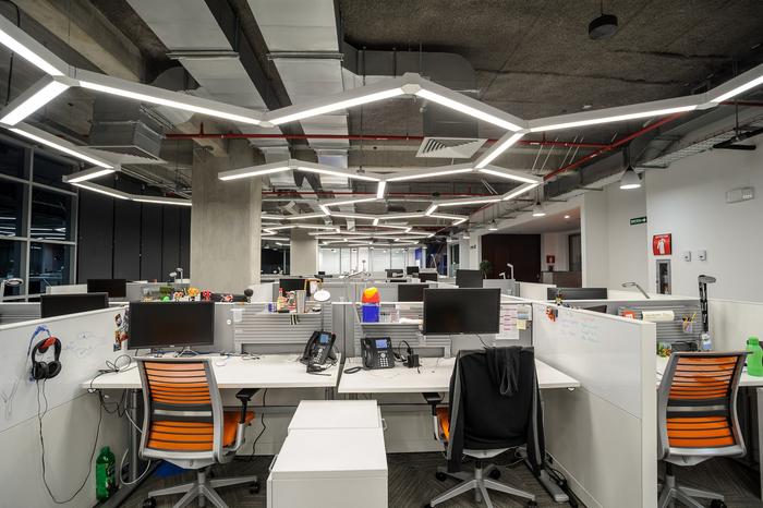 kontraktor-interior-plafond-ekspose-ceiling