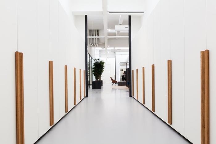 desain-kantor-koridor-office