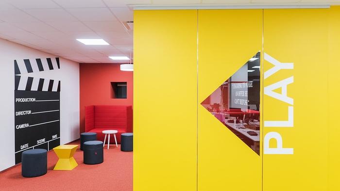 renovasi-kantor-di-area-ruang-ide