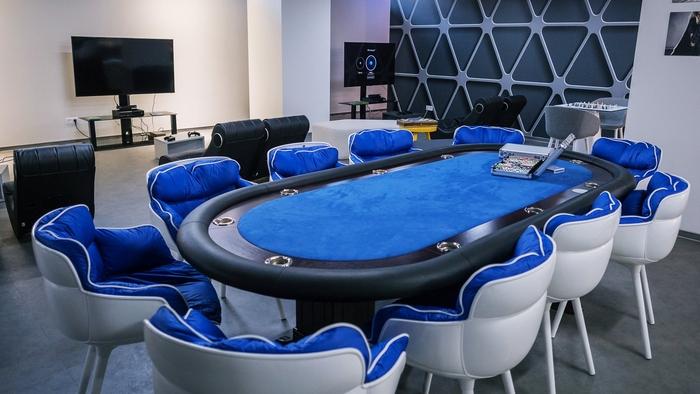 renovasi-kantor-di-ruang-ruang-santai-dengan-meja-permainan