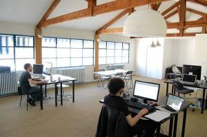 INTERIOR KANTOR murah meriah dan efisien minimalis openplan ruang terbuka (2)