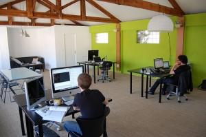 INTERIOR KANTOR murah meriah dan efisien minimalis openplan ruang terbuka (3)